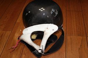 革 レザー ヘルメットカスタマイズ 競馬