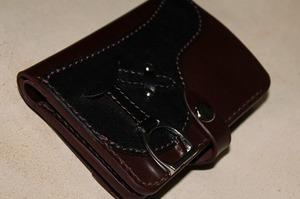 ハーフウォレット 鞍財布