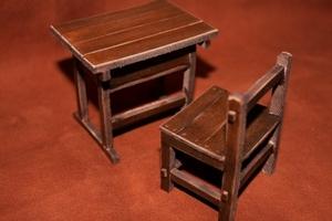 ミニ机と椅子